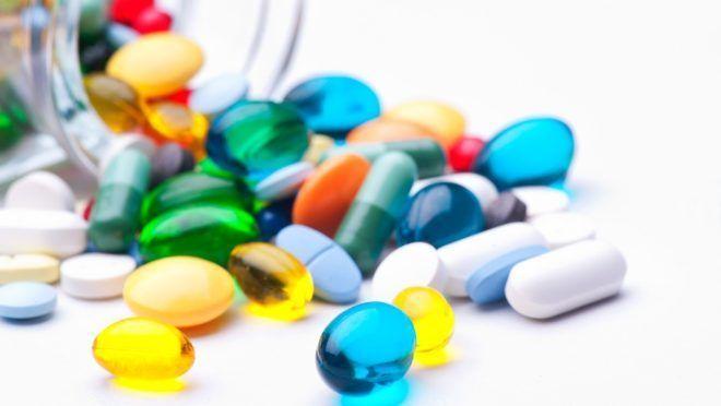 Фармацевтическими препаратами