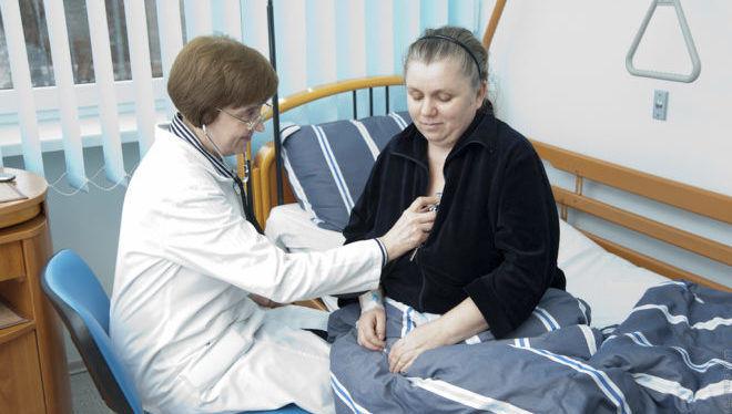 Необходимо проходить лечение под наблюдением врачей в стационаре