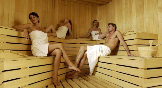 При совместном посещении с больным бани