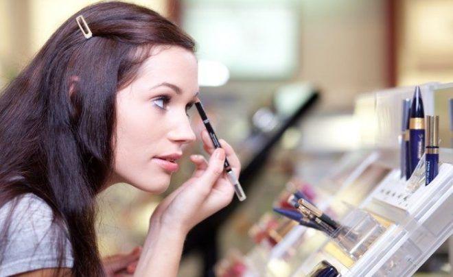 Отказаться от косметики во время заболевания
